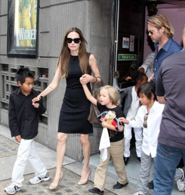 Brad Pitt, Angelina Jolie and Kids at Victoria's Apollo Theatre