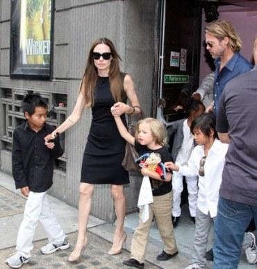 Brad Pitt, Angelina Jolie and Kids at Victoria's Apollo Theatre