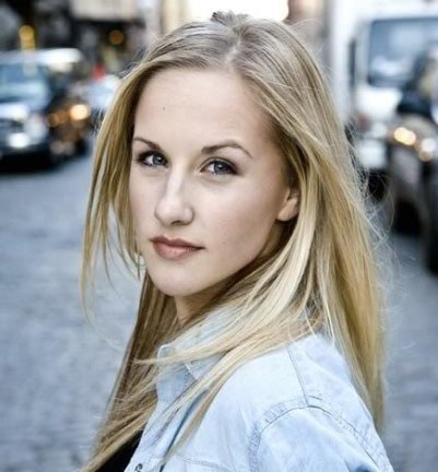 Jeanna de Waal Joining Wicked as Glinda