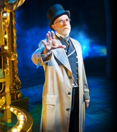 Keith Bartlett as The Wizard