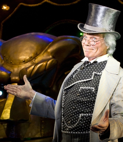 John Davidson as the Wizard in Wicked